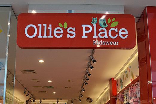 olliesplace-sign